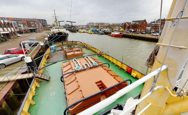 Zeesleper Elbe achterdek